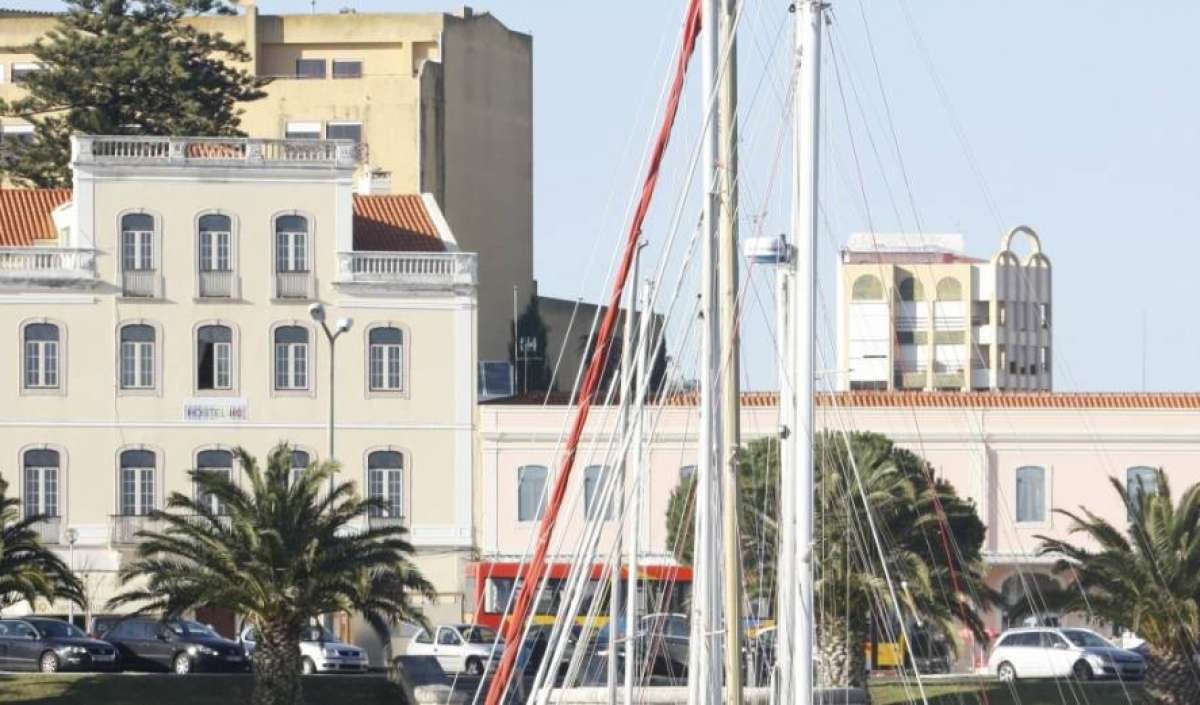advice and travel gear for staying in hotels in Figueira da Foz, Portugal
