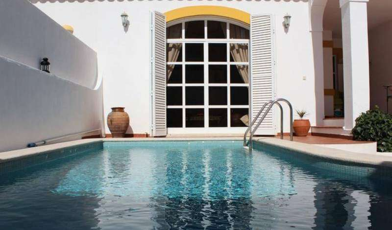 find the lowest price for hotels, hostels, or bed and breakfasts in Lagos, Portugal